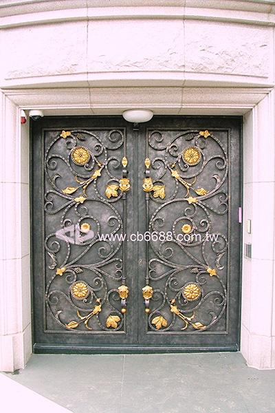 大樓側門出入口門禁鍛造鐵門